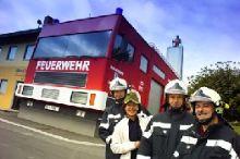Feuerwehrauto und Briefkasten Bairisch Kölldorf