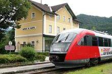 Almtalbahn 153 von Grünau im Almtal via Scharnstein und Pettenbach nach Wels