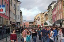 Großer Sommermarkt mit Flohmarkt