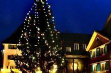 Adventfensteröffnung auf dem Dorfplatz Bezau