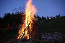 Sonnwendfeuer auf dem Hirschberg