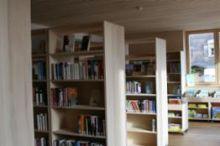 Bücherei und Spielothek