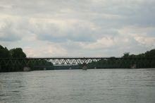 eleznicní most