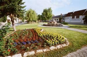 Blick auf den Hauptplatz - Jois Burgenland