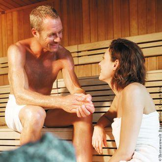 Wärme entspannt die Muskel. Ein Saunabesuch schenkt Sonne für die Seele. - Thermenwelt Burgenland Burgenland
