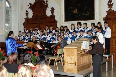 Konzert mit den St. Florianer Sängerknaben und Ars Antiqua Austria im barocken Sommerrefektorium des Stiftes St. Florian - St. Florian Oberoesterreich