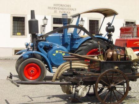 Altes Löschfahrzeug zu sehen im OÖ Feuerwehrmuseum - St. Florian Oberoesterreich