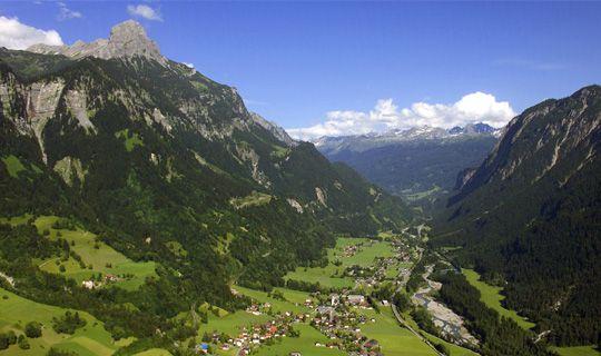 Blick auf das Klostertal im Sommer - Braz Vorarlberg