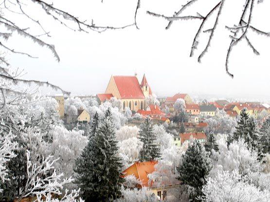 Wo Wald- und Weinviertel aufeinander treffen liegt die von Mauern umringte Stadt Eggenburg. - Eggenburg Niederoesterreich