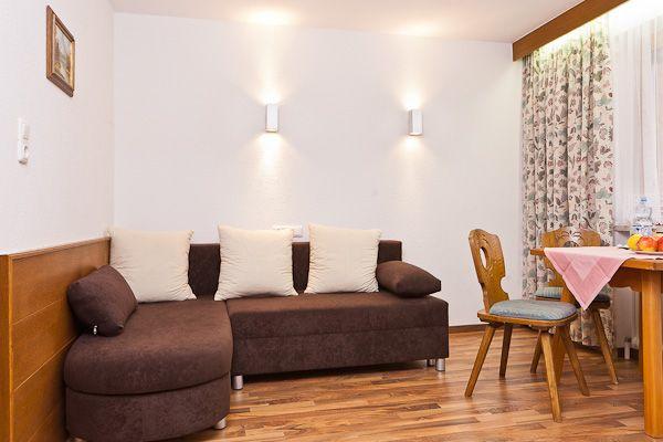 Wohnzimmer vom Appartement - Haus Rehwinkl Soelden
