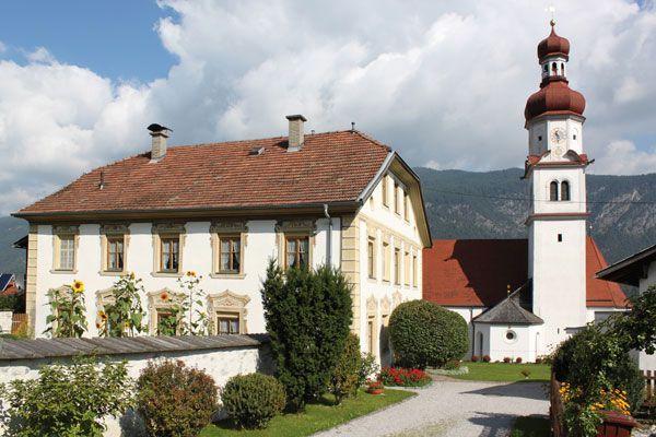 Hatting Pfarrkirche St. Ägidius mit Widum - Hatting Tirol
