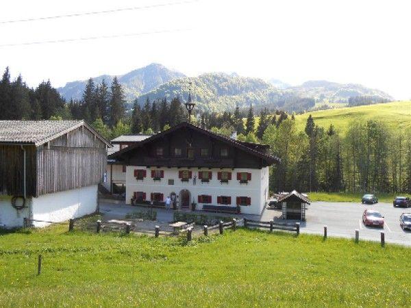 """Haus nach Süden - Gasthof """"Eiserne Hand"""" Fieberbrunn"""