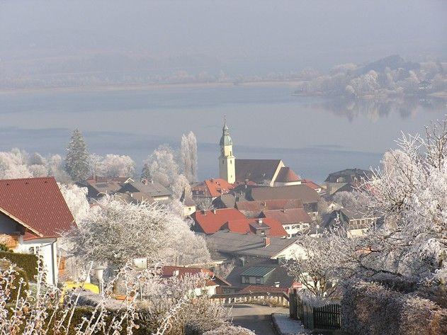 Ein herrlicher Blick auf Seeham am Obertrumer See. - Seeham Salzburg