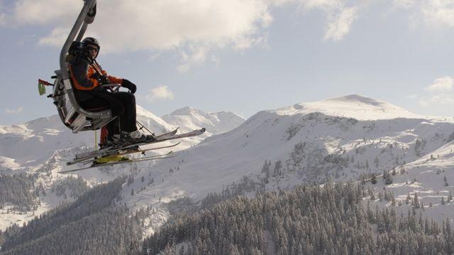 Vom Sessellift aus bietet sich ein herrliches Bergpanorama. - Wildschoenau (Region) Tirol