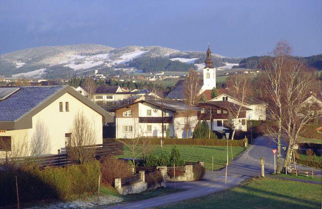 Winter in Lembach i.M. Ameisberg (941 m) im Hintergrund - Lembach Oberoesterreich