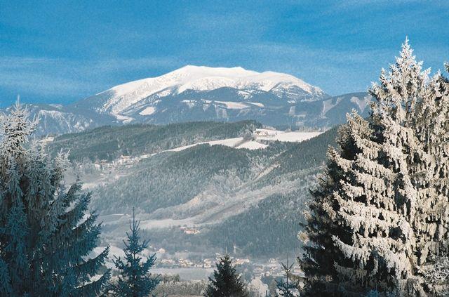 Von der Bergstation herrlicher Ausblick auf Rax und Schneeberg! - St. Corona am Wechsel Niederoesterreich