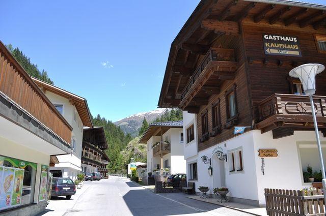 Durch´s Dörfl ins Winkeltal - Außervillgraten Tirol