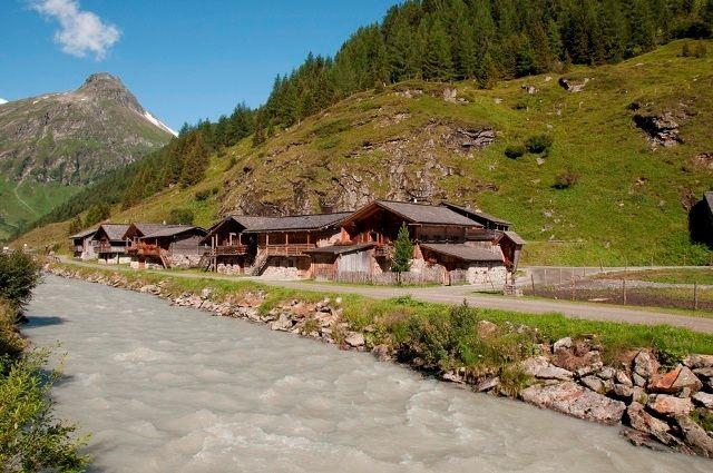 Die Almen im Innergschlöß sind Anziehungspunkt zahlreicher Wanderer aller Altersgruppen. - Matrei in Osttirol Tirol