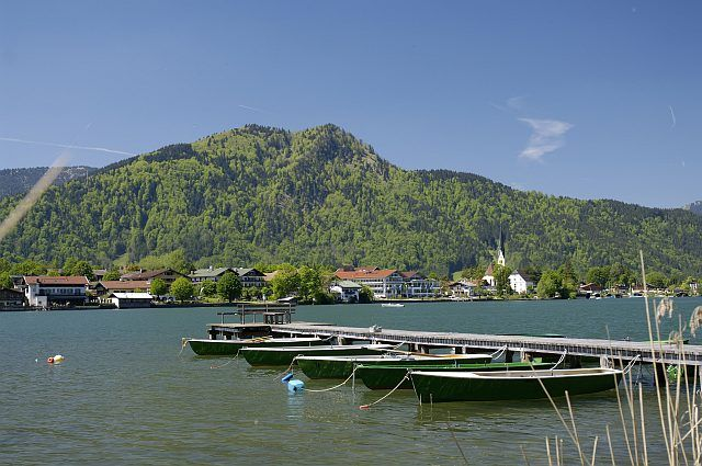 Boote leihen und über den Tegernsee fahren - Rottach-Egern Bayern