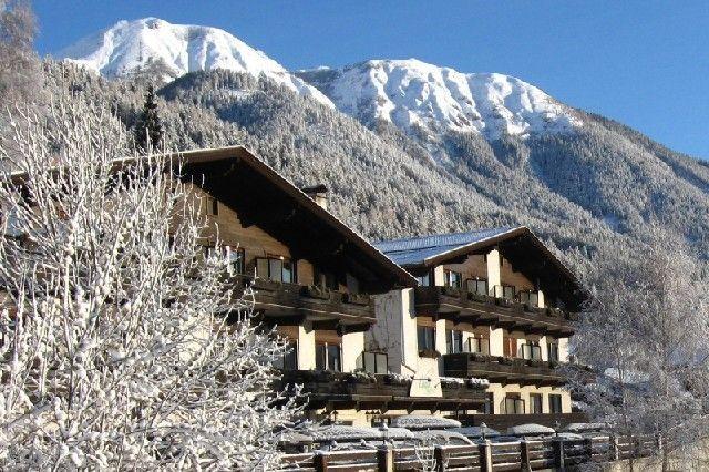 Hausansicht Winter - Ferienland Stubai Fulpmes im Stubaital