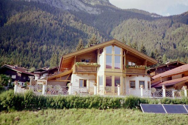View from outside In winter, Ferienwohnung Biechl - Ferienwohnung Biechl Maurach am Achensee