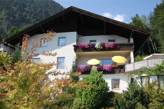 Unser Haus - Ihr Urlaubsheim - Haus Annenheim Treffen am Ossiacher See
