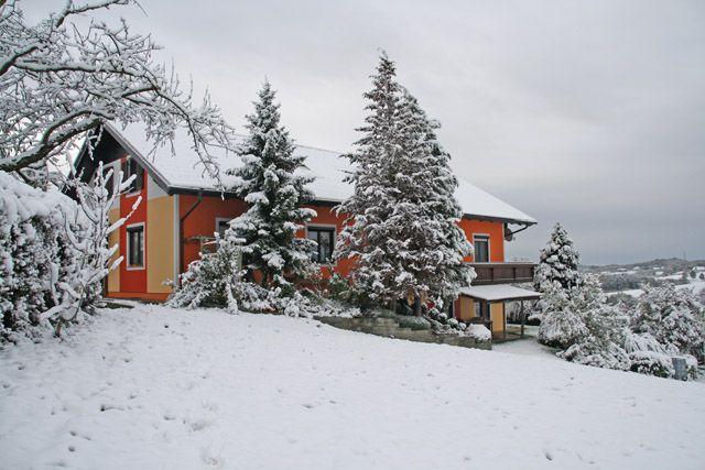 Außenansicht Winter - Gaestehaus Dobida Unterlamm