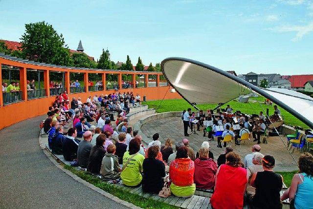 Die Kurpark-Arena wird oft als Veranstaltungsort durch das spezielle Ambiente genutzt. Viel Spaß im Kurpark! - Grafenhausen Baden-Wuerttemberg