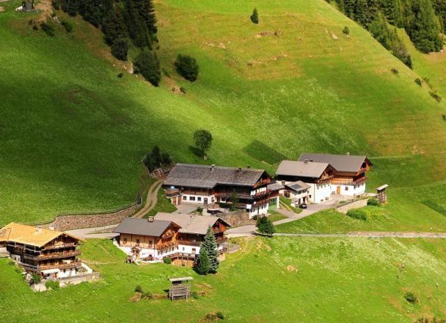 Lahnberg - Almhuetten und Ferienwohnung am PEINTNERHOF Innervillgraten