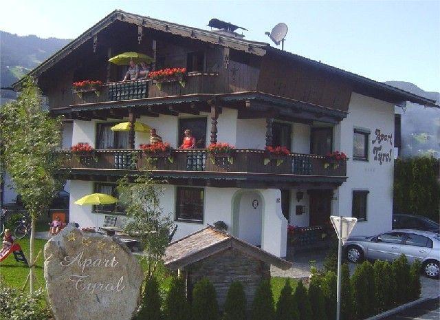 Luis, Reinhard, Alexandra und Madeleine - Aktiv-Apart-Tyrol Uderns