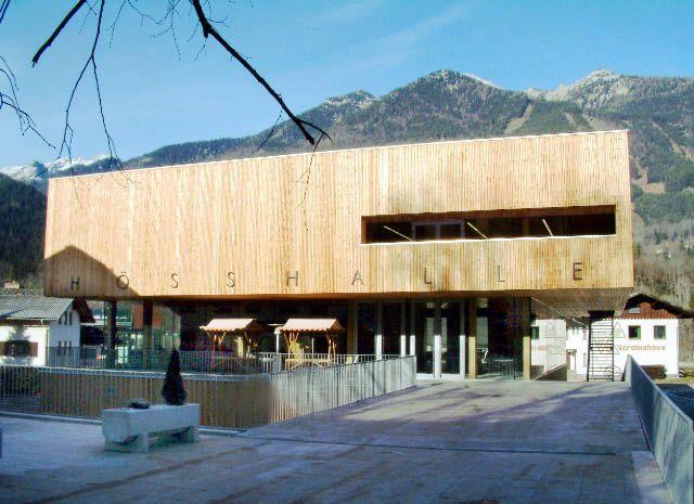 Bild: Im Weltcup-Skigebiet Hinterstoder lässt sich durch die Hösshalle buchstäblich das Angenehme mit dem Nützlichen verbinden. - Hinterstoder Oberoesterreich