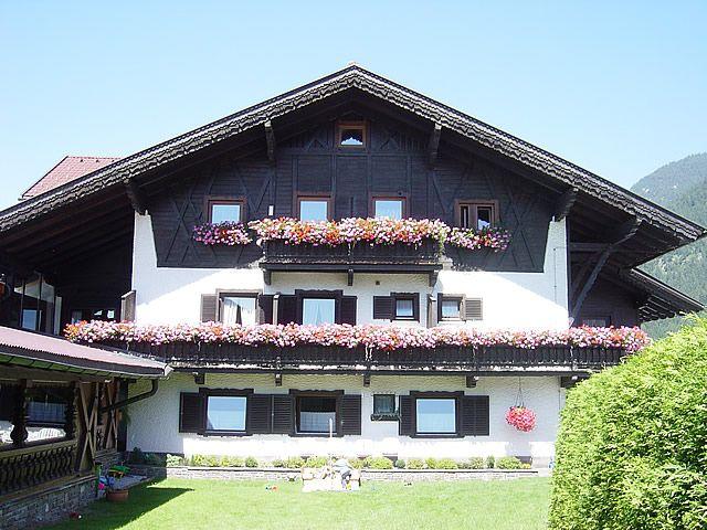 Frühstückspension Annemarie** in Maurach am Achensee. Herzlich willkommen bei uns! - Fruehstueckspension Annemarie** Maurach am Achensee