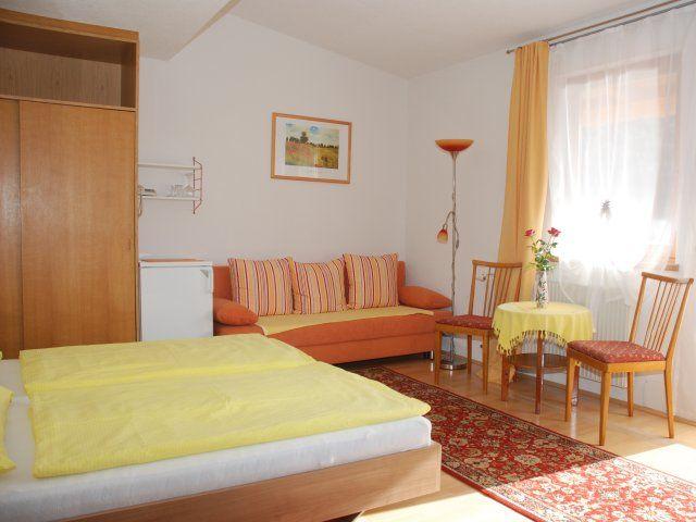 Dreibettzimmer im 2.Stock mit Blick auf die Bucht von Döbriach - Fruehstueckspension und Ferienwohnungen Kaefer Doebriach/Radenthein