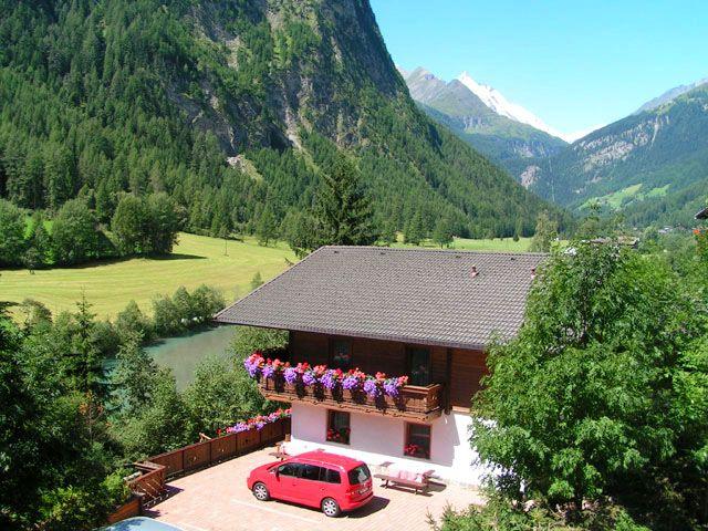 Der Sommer am Haus Bergsee - wunderbarer Blick über das Tal - Appartements -  Ferienhaus Bergsee Heiligenblut
