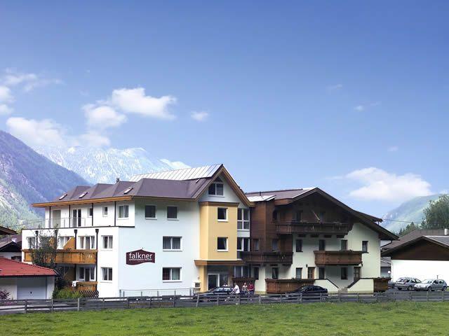 Falkner Appartment Resort. Ein schöner Platz für Urlauf in den Bergen. - Apart Falkner Resort Laengenfeld