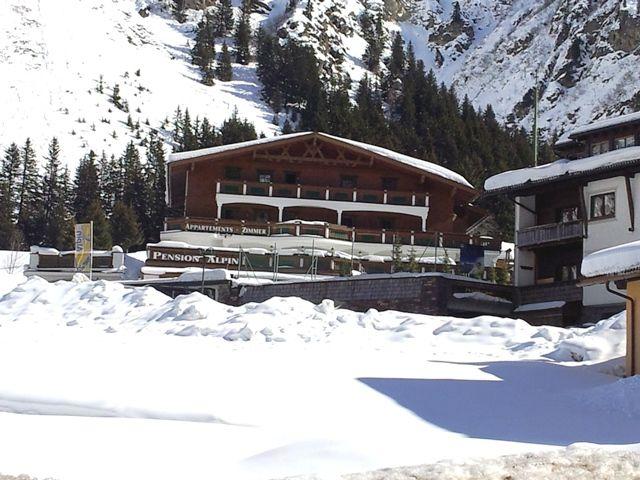 Pension Alpin Winter - Alpin Pension St. Leonhard im Pitztal