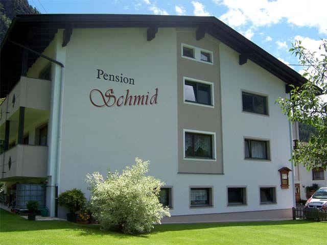 Außenansicht - Pension Schmid Oetz