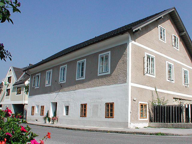Hinter der 400 Jahre alten Gendarmerie verbirgt sich ein wahres Kunstwerk. - Alte Gendarmerie - Renate Dirninger St. Gallen