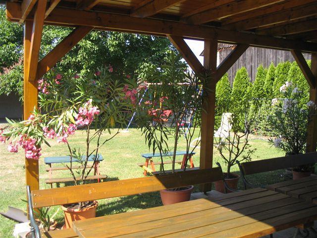 """Garten mit Gartenlaube - Appartment """"Berni"""" Familie Moerk Lutzmannsburg"""