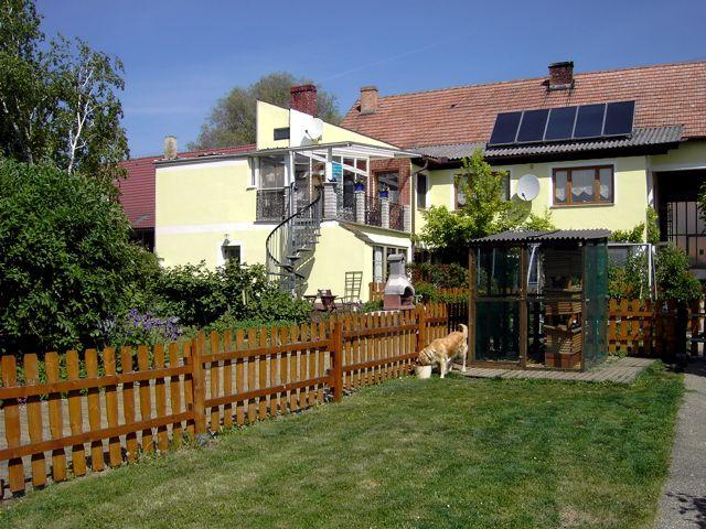 EIN GROßER GARTEN WARTET AUF SIE - Gaestezimmer-Ferienw. Lewitsch Poysdorf