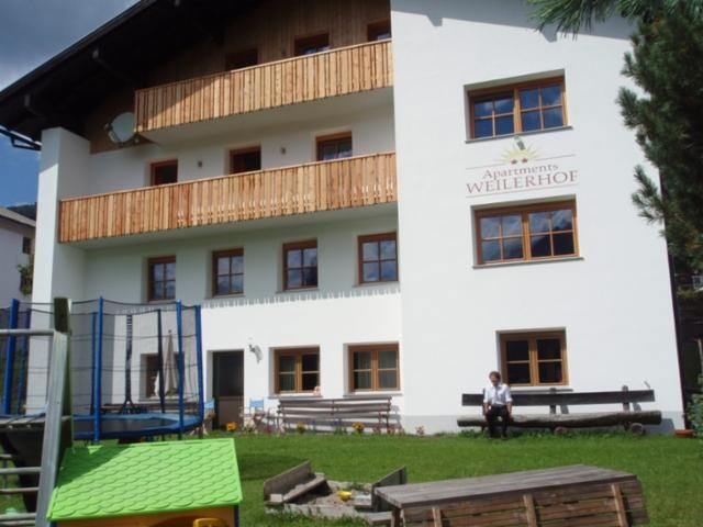 Apartments Weilerhof - Daniela u. Pepi Scherer Obertilliach