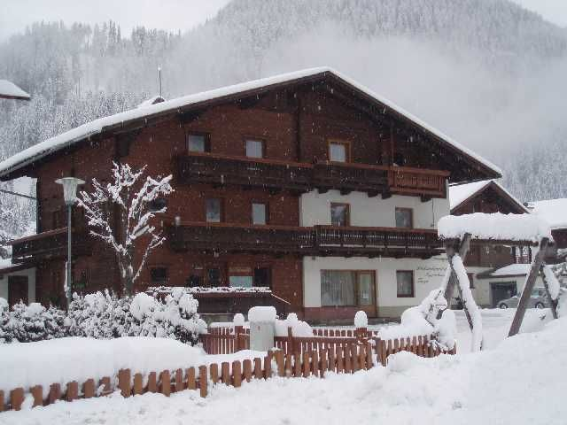 Unsere Pension im Winter! Verschneite Landschaft - Romanik - Erholung - Fruehstueckspension Troger St. Jakob im Defereggental