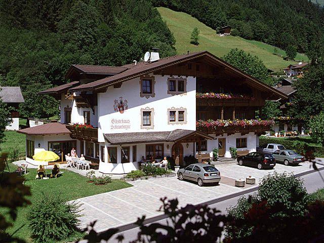 Herzlich Willkommen im Gästehaus Schneeberger. - Gaestehaus und Landhaus Schneeberger Mayrhofen
