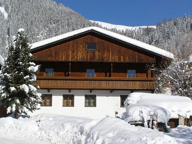 Ein traumhaft schönes Plätzchen für Ihren Winterurlaub in der alten Dorfzeile - unser Orterhof! - Orterhof Obertilliach
