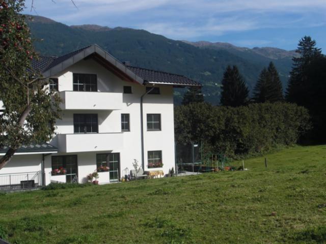 Außenansicht Sommer 2 - Ferienhaus Klocker Ried im Zillertal