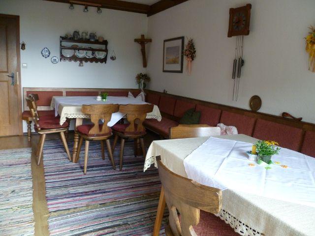 Aufenthalts- und Frühstücksraum - Haus Stadler St. Gilgen