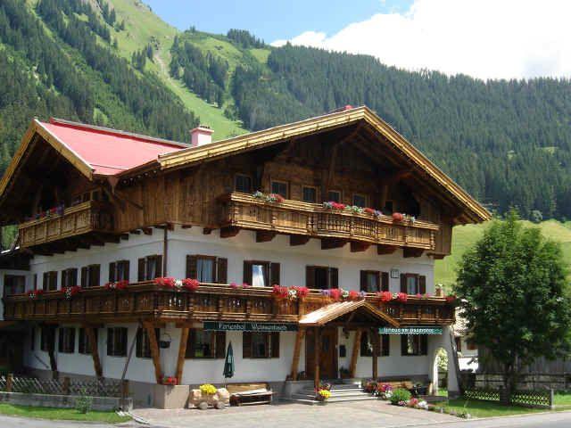 Ferienhof Weissenbach-Holzgau-Lechtal-Tirol Holzgau