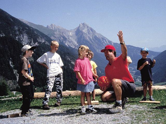 Pettneu - Kinder - Pettneu Tirol