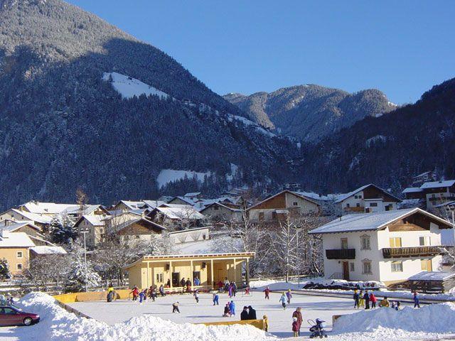 Eislaufplatz - Pfunds Tirol