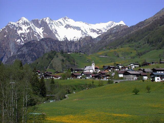 Das Bergsteigerdorf Prägraten am Großvenediger (1.312 m) Foto: Friedl Steiner - Praegraten am Großvenediger Tirol